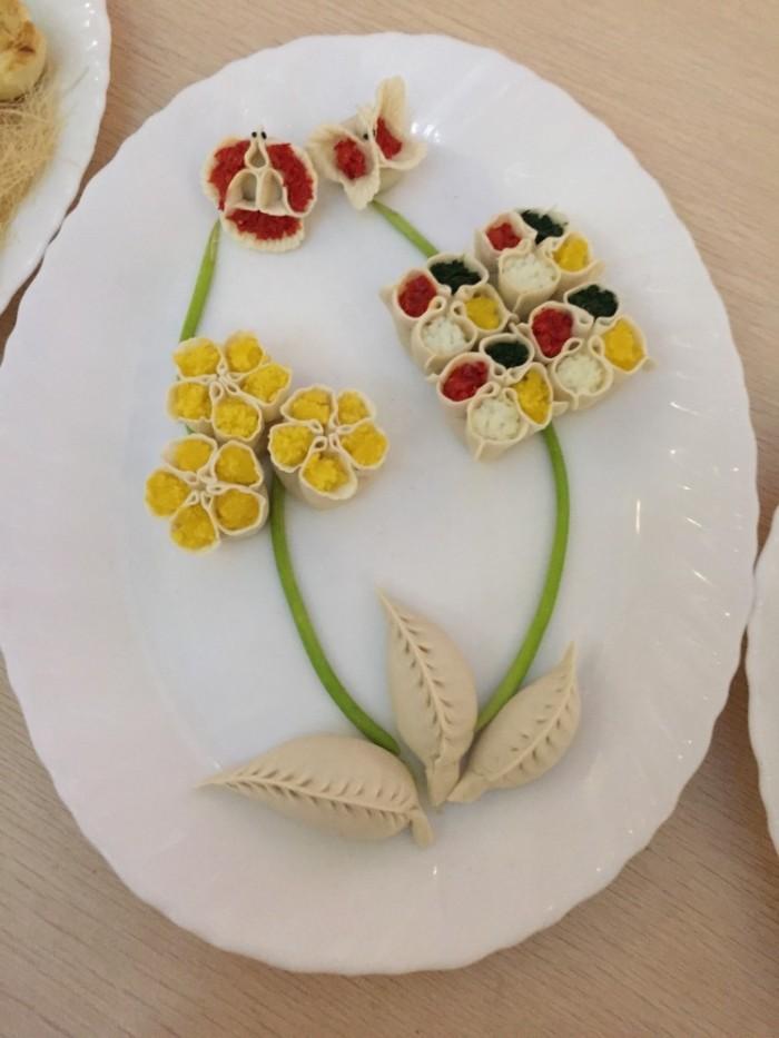 Beautiful presentation of Chinese food.