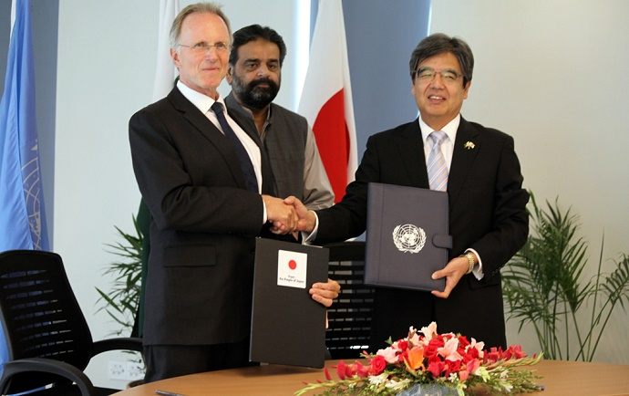 Japanese Ambassador, Mr. Hiroshi Inomata, and FAO Representative, Mr. Patrick Evans, sign agreement for agricultural development in FATA.