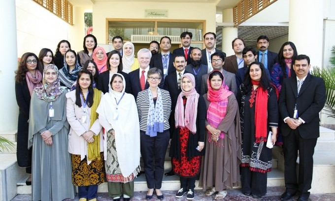 Group photo of Pakistani participants with Australian officials at pre-departure briefing in Islamabad on 17 Nov 2015.