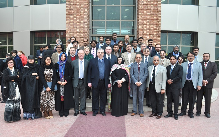 Group photo of Russian Ambassador H.E Mr. Alex Dedov, Russian diplomat Mr. Youri Kozlov with CIIT staff and professors in Islamabad