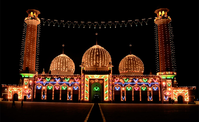 Markazi Jamia Mosque in Wah Cantt beautifully decorated with colorful lights in connection with the celebrations of Eid Milad-un-Nabi (PBUH). Photo: INP