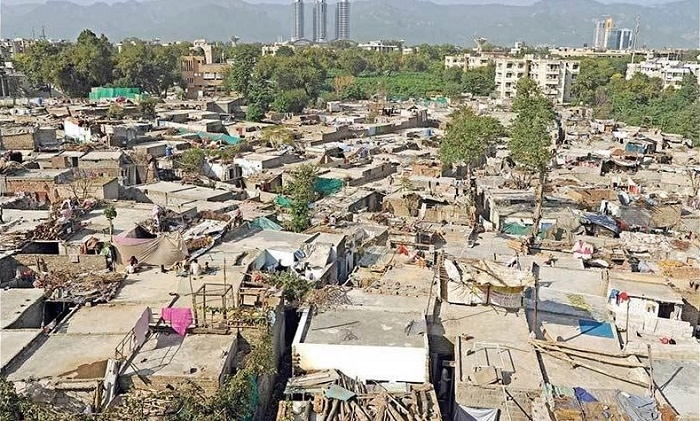 Aerial view of slums of Islamabad. Photo by Tanveer Shahzad