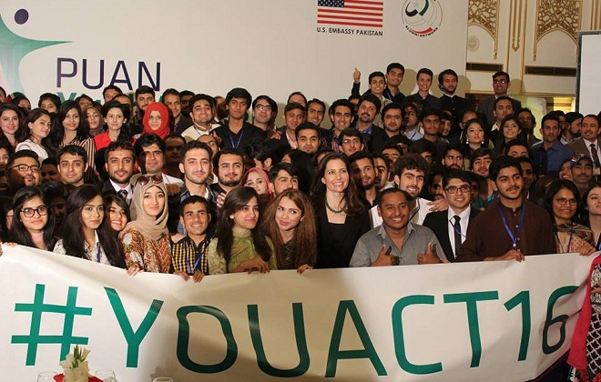 Assistant Secretary of State for Educational and Cultural Affairs Evan Ryan joined members of PUAN at a three-day youth activism conference in Islamabad. Photo: US embassy