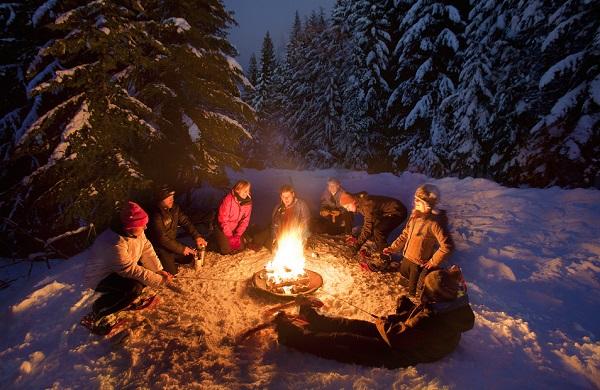 winter family bonfire